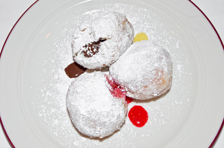 jelly doughnuts, le bremner, food, montreal