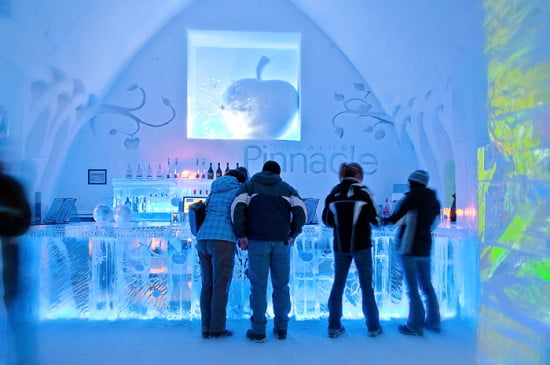 Ice-bar-hotel-de-glace-quebec-city