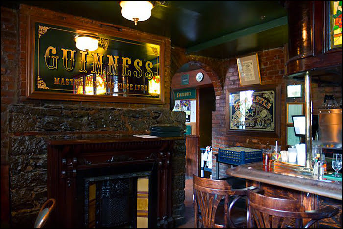 Hurleys Irish Pub Montreal St Paddy's Day St Patrick's Day