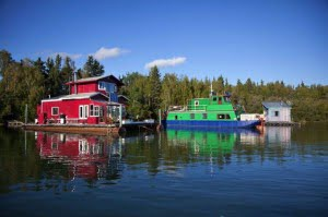 Houseboats-yellowknife