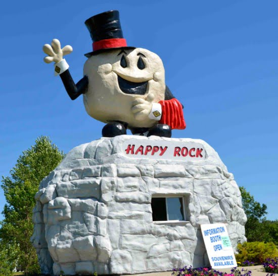 happy-rock-manitoba
