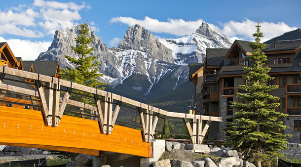 Canmore-Alberta-View-of-Three-Sisters-rocky-mountains