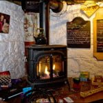 wood-stove-peter-cellars-pub-mono-cliffs-inn