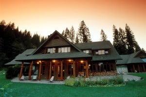 Sunset_Lodge_Mountain_Trek_BC