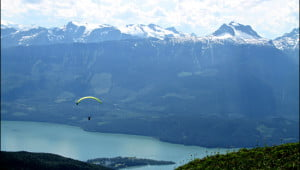 paragliding-revelstoke-british-columbia