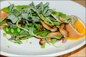 Pidgin-restaurant-mushrooms-snap-peas