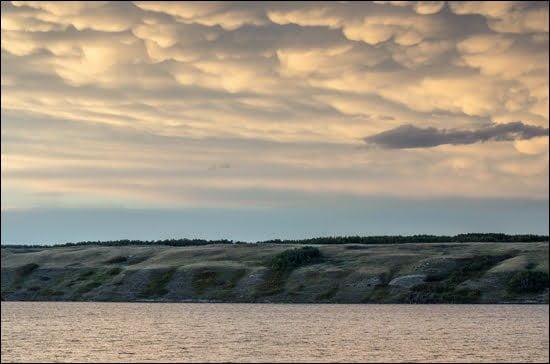Cumulonimbus mammatus clouds over Little Manitou Lake in Manitou Beach, Saskatchewan. (Julia Pelish/Vacay.ca)