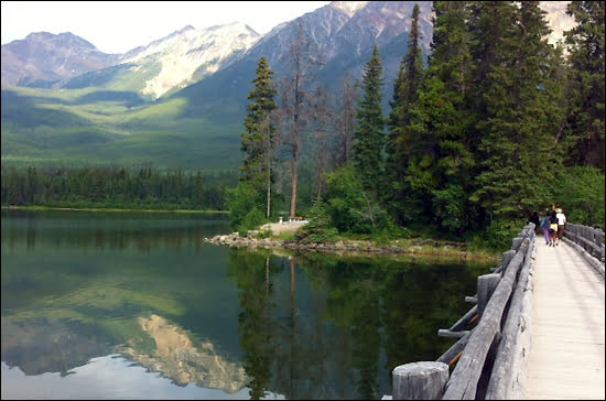 Runoff-fed-Pyramid-Lake-at-Jasper