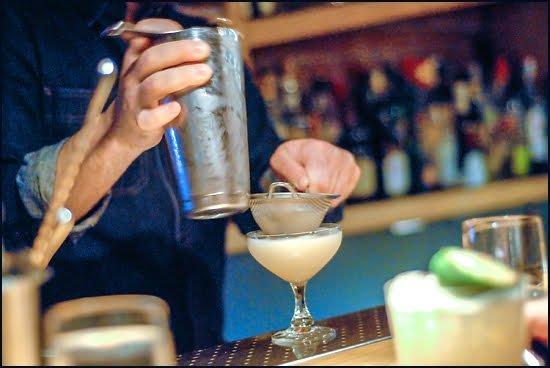 Shaun Layton hard at work behind the bar. (Adrian Brijbassi/Vacay.ca)