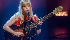 Basia Bulat performing at Club Soda in Montreal. (Julia Pelish/Vacay.ca)
