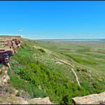 head-smashed-in-buffalo-jump-alberta-cliff