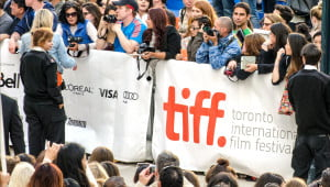 Tiff 2014 activity sizzles in Toronto and fans hit the streets to meet and greet the stars. (Julia Pelish/Vacay.ca)