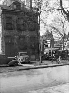 The Mackenzie House in Toronto circa 1930s.  (Courtesy of Toronto Public Library)
