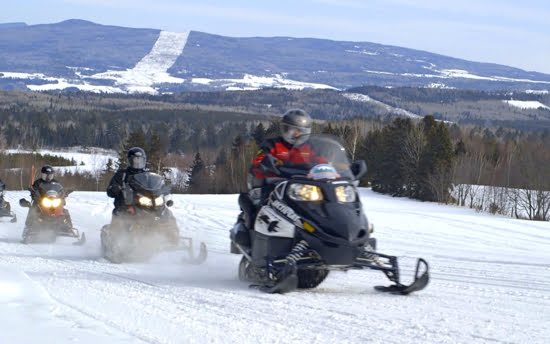 snowmobiling-baie-st-paul-charlevoix-quebec
