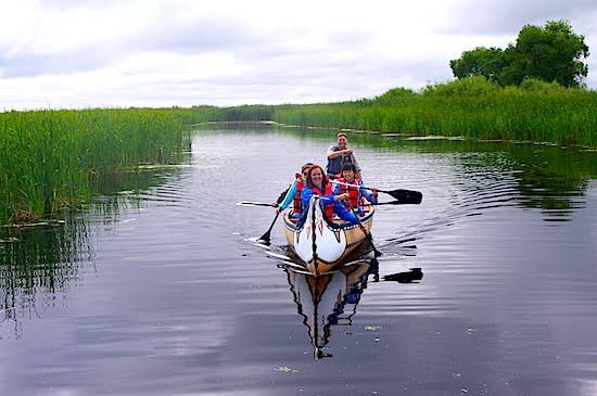 oak-hammock-marsh-canoe-manitoba