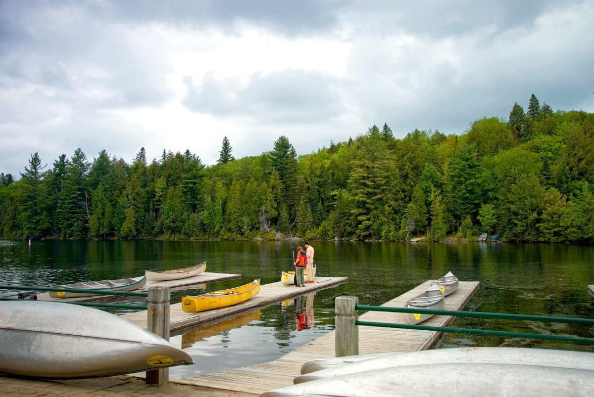 canoe-in-algonquin-park