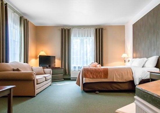 comfort-suites-mont-tremblant-room