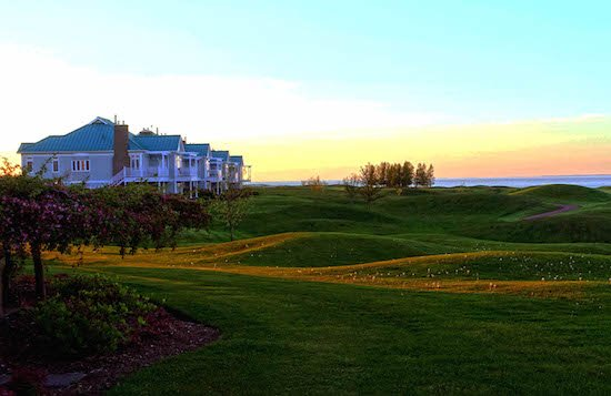guesthouses-sunset-fox-harbr-resort-nova-scotia