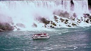 niagara-falls-hornblower-cruise-november-20141