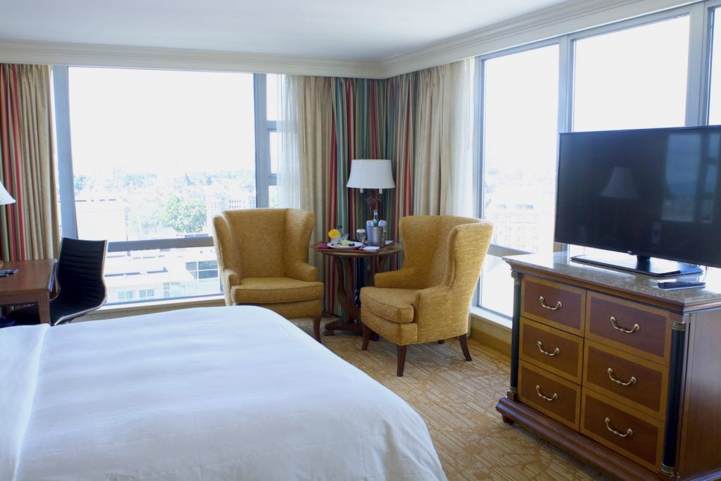 victoria marriott hotel room