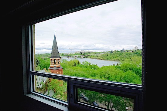 james-hotel-south-saskatchewan-river-view