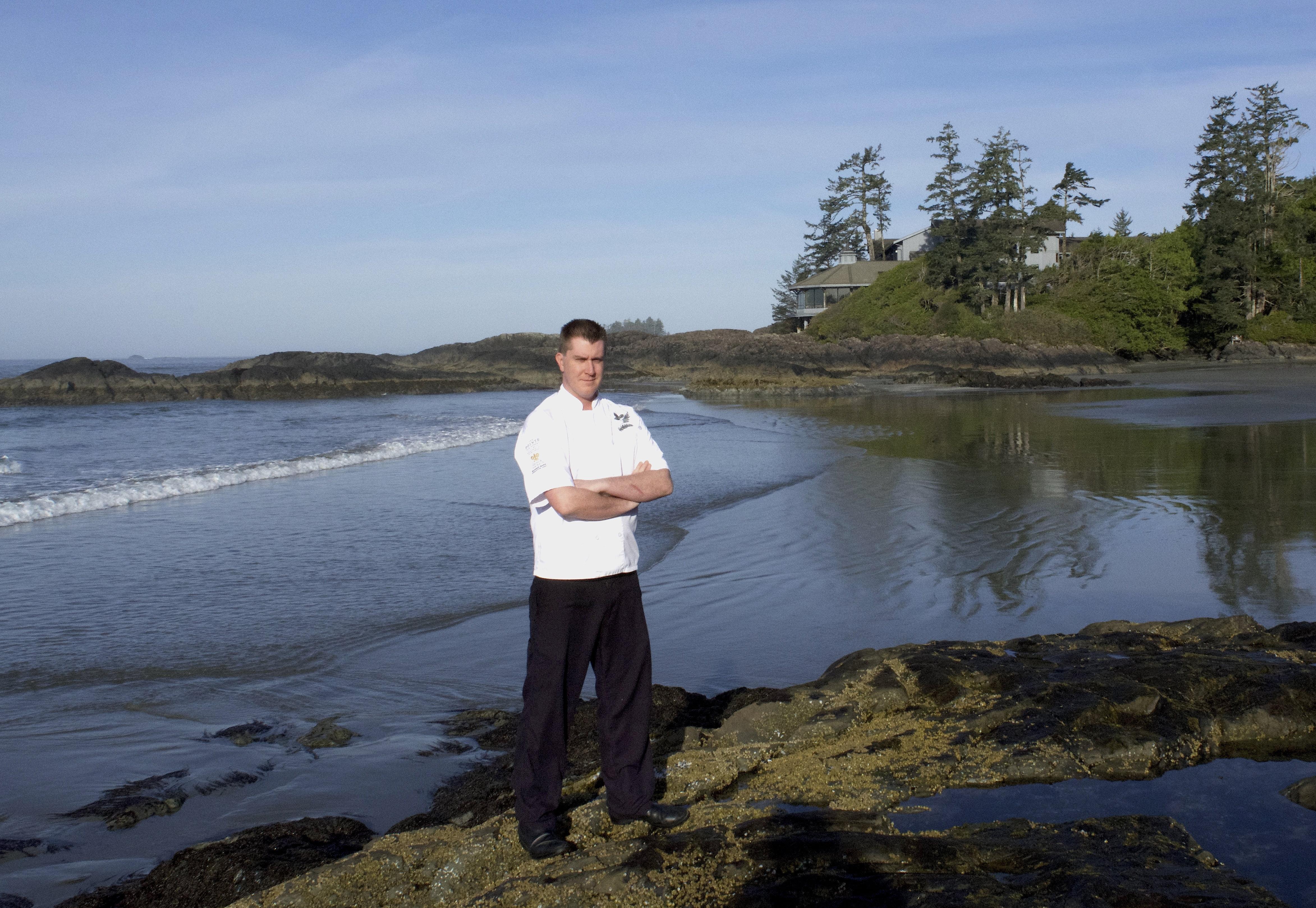 The pointe restaurant wickaninnish inn tofino canada - Chef Warren Barr In Front Of The Pointe