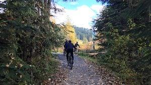 mountain-biking-at-sunpeaks