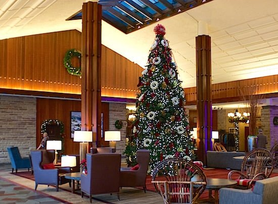 jasper-park-lodge-christmas-tree