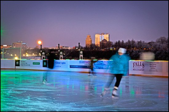 rink-on-the-brink-niagara