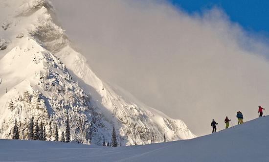 fernie-skiers-on-mountain