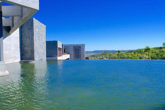 bodega-garzon-infinity-pool-uruguay