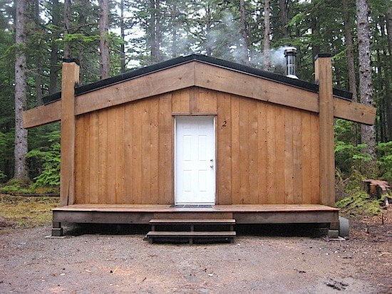 hiellen-longhouse-haida-gwaii