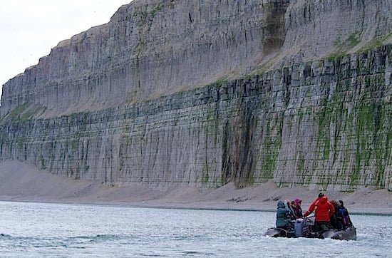 zodiac-sailing-akpatoqat-island-nunavut