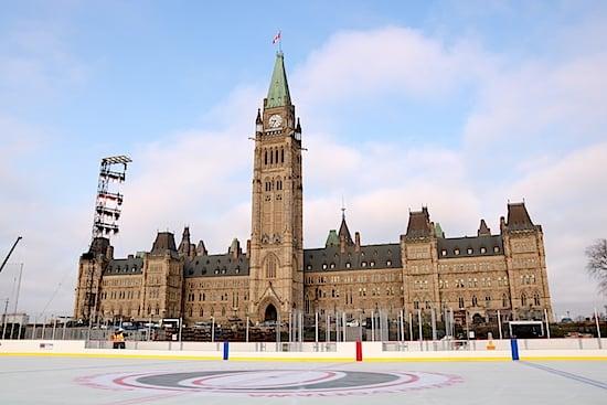 Merveilleux Ottawa   Parliament Hill Skating Rink