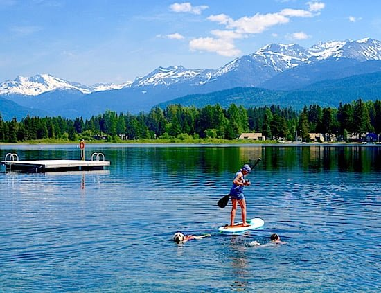 alta-lake-paddleboarder-dog