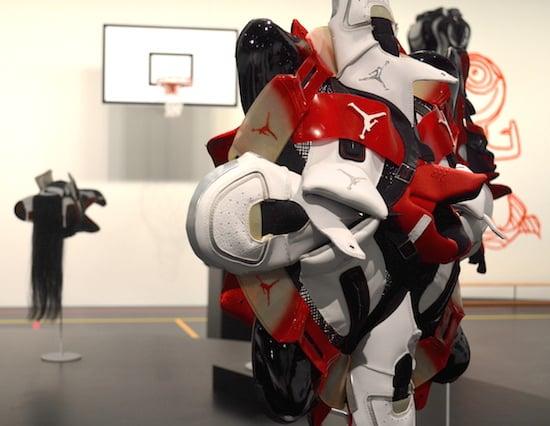 sneakers-closeup-basketball-jungen