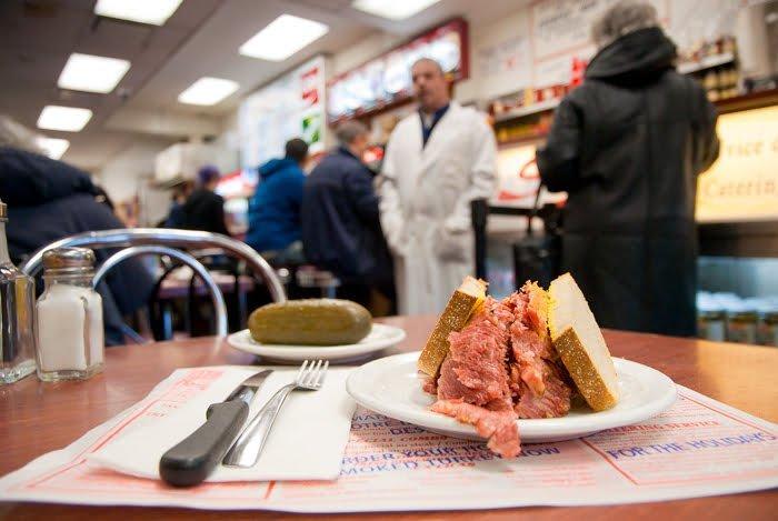 Schwartzd-Deli-Montreal-smoked-meat