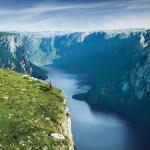 gros-morne-national-park-newfoundland-fjord