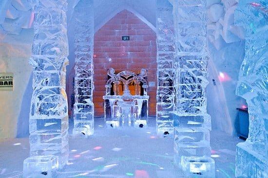 ice-bar-hotel-de-glace-quebec-city