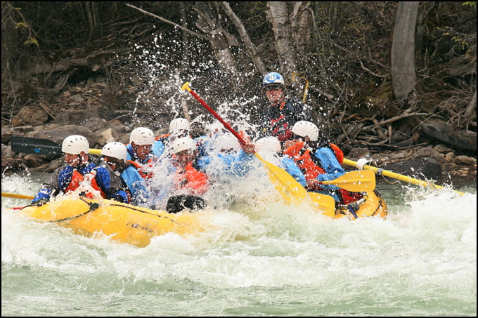 white-water-rafting-kicking-horse-river-golden-british-columbia
