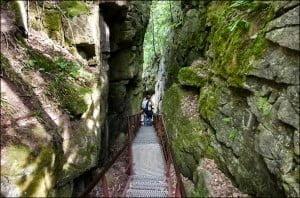 Scenic-Caves