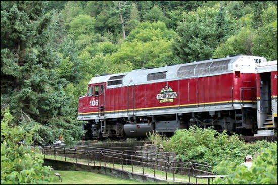 Agawa-Canyon-Train-Tour