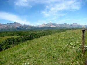 waterton-lakes-national-park-prairies-mountains
