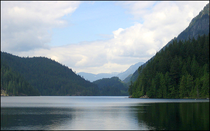 buntzen-lake-british-columbia
