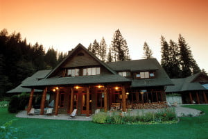 Sunset_Lodge_Mountain_Trek_BC