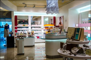 The shop inside the Spa My Blend by Clarins at the Ritz-Carlton in Toronto. (Julia Pelish/Vacay.ca)