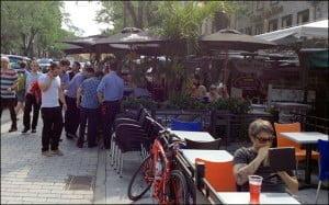 quebec-summer-festival-street-scene