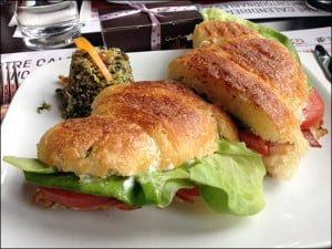 turkey-club-sandwich-bistro-chocomotive-quebec