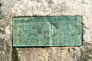 Alexander Graham-Bell-gravesite-beinn-bhreagh