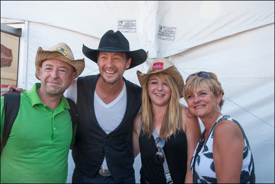 paul-brandt-alberta-flood-benefit